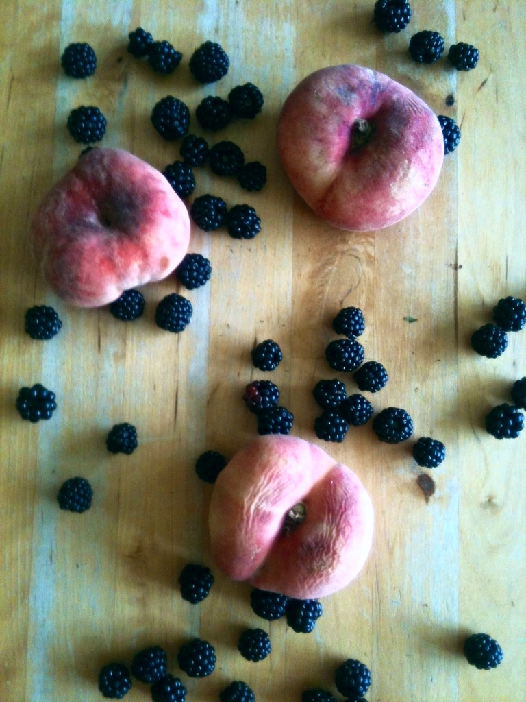 Peach & Blackberry traybake